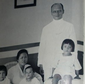 Willem Walraven & Family in Indonesia